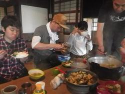 昼ーとれたて筍を料理し頂く.JPG