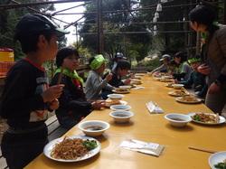 春の遊牧民キャンプ1.JPG