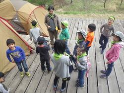 春の遊牧民キャンプ3.JPG