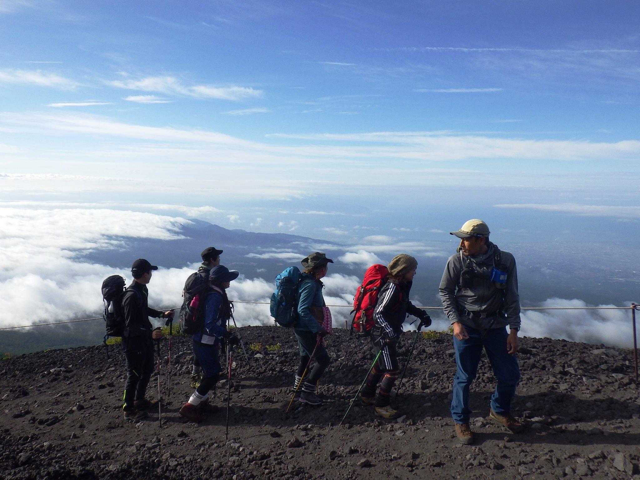 経験豊富なガイド 今年こそ 富士登山